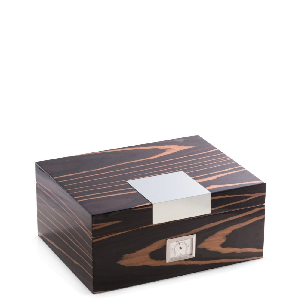 lacquered-ebony-wood-60-cigar-humidor